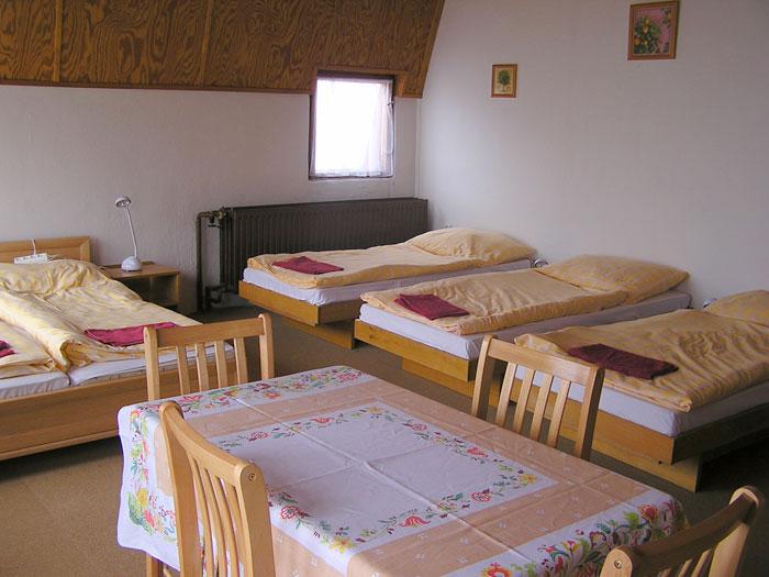 Šestilůžkový pokoj v Chatě Na Skalce