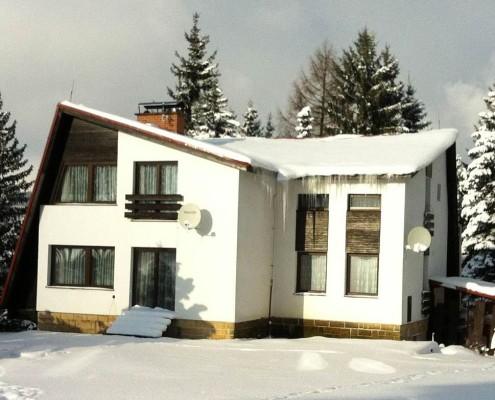 Chata na Skalce v zimě